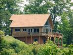 High Haven Cabin – Large Mountainside Rental with an Unforgettable View, Wi-Fi, and a Pool Table – Just 5 Miles from the Great Smoky Mountains Railroad
