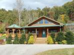 Native Winds Cabin -- Romantic Log Cabin with a Fireplace in the Bedroom, Hot Tub, View, and Wi-Fi - Only 10 Minutes from Harrahs Casino