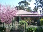 Blue Gum Cottage on Bay