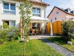 12 Holiday apartment cologne, 2bedrooms, garden