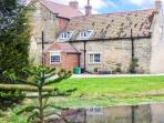 SEAVES COTTAGE, family friendly, luxury holiday cottage in Brandsby, Ref 2883