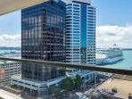 2 bedroom, 2 bathroom Air Conditioned Apartment in Quay West Residences, Auckland