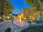 Mas Auralina, Amazing St Remy Rental Home with a Pool