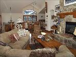 Distinctive Mountain Home in Gated Community - Elegantly Decorated Getaway (8307)