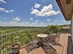 4BR Countryside Contemporary on Lake Austin - Foothill Views, 3 Full Floors