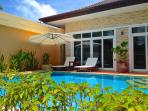 Rawai Private Villas 1 - pool and garden