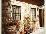 Cosy Lucca house with terrace and car parking.