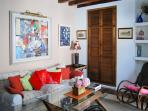 Central Madrid duplex apartment w/ 3 bedrooms, balcony, air con & Internet - 200m from Gran Via