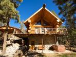Bear Foot Lodge is an amazing luxurious 3 bedroom log home in Upper Canyon.
