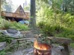 Cozy riverside cabin - warm & homey with jet tub.