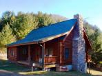 'RIVER VIEW RIDGE'  Private Log Cabin Within Walking Distance of New River!