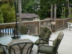 Large Sundeck, King Bed, 3 Bedrooms near Mall