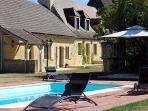 3730 Quality Dordogne villa with heated pool
