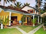 PLANTATION SURF INN / Restaurant - Midigama east