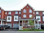 3 bedrooms private house n Richmond hill