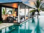 Beachfront The Soori residence- 360o ocean view, intimate grounds & infinity pool