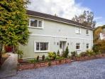EDEN HOUSE, hot tub, sea views, access to beauty treatments and hotel grounds in Bardsea, Ref 13570