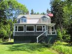 THANKFULNEST | EAST BOOTHBAY MAINE | OCEAN POINT|GRIMES COVE | OPEN OCEAN| PUBLIC BEACH & BOAT LAUNCH NEARBY | Dog FRIENDLY