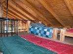 Loft with 5 twin beds and double mattress