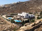 GREAT PLACE TO RELAX AND PARTY IN ORNOS MYKONOS