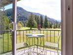 Mt. Hood condo with mountain views, deck, room for six!