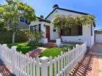 Charming beach cottage / private hot tub & outdoor living / walk to the beach