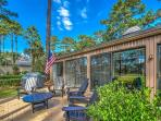 Sea Pines Villa, Fully Renovated. Golf Views, Bike to Harbourtown or Beach