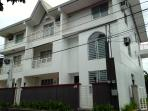 4 bedroom Apartment 20 mins to/fro airport/makati