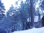Romantic Hideaway With*Hot Tub,Fireplace,Sledding~