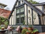 Bright 1BR Cottage in the Heart of Berkeley - Your New Favorite Getaway!