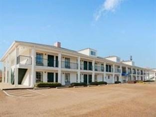 Baymont Inn & Suites Vicksburg