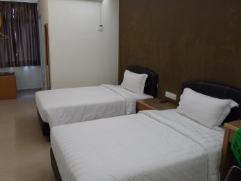 Hotel Grand Court Inn