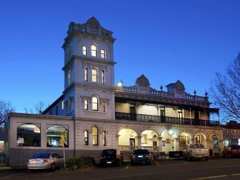 Yarra Glen Grand Hotel
