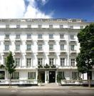 Henry VIII Hotel