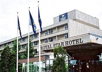 퍼스트 호텔 로얄 스타