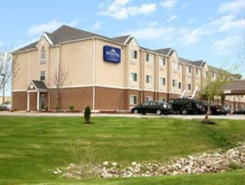 ‪Microtel Inn & Suites by Wyndham Kansas City Airport‬