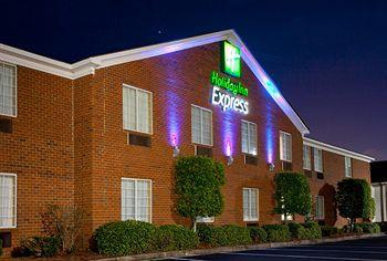 Holiday Inn Express Savannah I-95 North