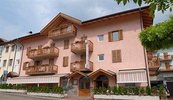 Photo of Hotel Alle Piramidi Segonzano