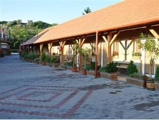 Vadvirag Restaurant and Guesthouse Hotel