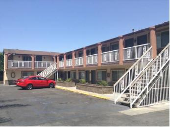 Bronco Motel