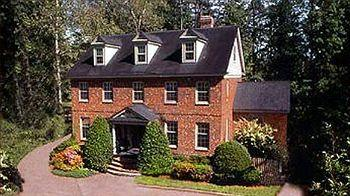Williamsburg Sampler Bed and Breakfast