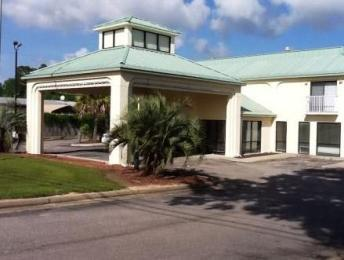 GuestHouse Inn & Suites Bayou La Batre/Mobile