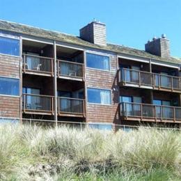 Cozy Cove Beach Front Resort Inn