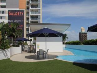 Dalgety Apartments