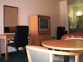 La Bonita Inn and Suites