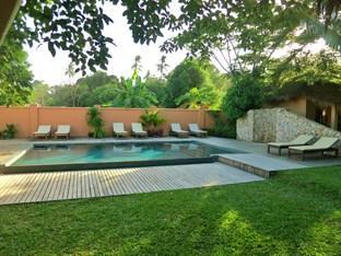 Botanica Guest House