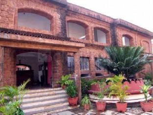 Colonia Jose' Menino Resort