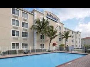 Baymont Inn & Suites Miami Airport West
