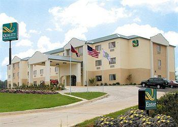 ‪Quality Inn & Suites Jackson Int'l Arpt.‬