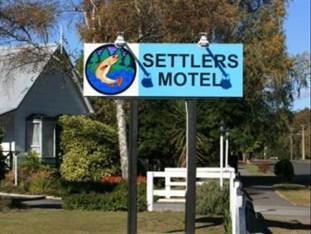 Settlers Motel